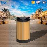 Los tipos de decorativo al aire libre reciclan el cubo de la basura inútil de madera plástico
