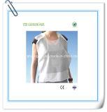 Babero disponible con el lazo de la miga y del cuello
