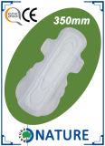 servilleta sanitaria disponible atractiva de la venta caliente de 240m m sin las alas
