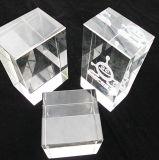 Cubo da gravura do laser do espaço em branco 3D do cristal para a arte