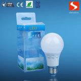 Buena calidad E27 A60 3000k 6W Bombilla LED