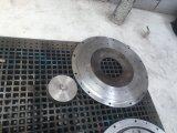 Fertiges und Polierhartmetall, das heißes Walzen-Ringe schmiedet