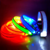 USB 재충전용 번쩍이는 LED 나일론 안전 개 목걸이