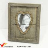Frame de madeira da foto da parede decorativa antiga ereta