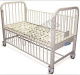 Hohes Rail Children Bed mit Ein Crank