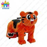 La tigre ambulante dell'automobile del giocattolo della batteria della sosta di RC spinge i giri animali