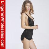 De v-Hals van het Kant van vrouwen de Sexy Diepe Lingerie Uit één stuk van de Nachthemden van Halter