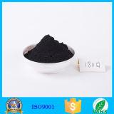 Nettoyer les dents blanchissant le charbon actif en poudre