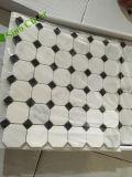 Mosaico de mármol decorativo Herringbone de la vena de madera blanca al por mayor de las mercancías