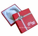 Rectángulo de empaquetado de la joyería de papel más barata del regalo con insignia de encargo