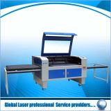 Estaca do laser do grande ano e máquina de gravura
