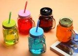 La taza de cristal del masón del jugo de la taza del masón modifica la taza de la insignia para requisitos particulares
