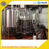 Cerveja fresca que faz o sistema, chaleira da cerveja do ofício