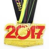 Medalha interurbana feita sob encomenda barata por atacado do metal do esporte do Ng Bling Bling do esmalte do Glitter da raça da liga 10K do zinco da forma para funcionar