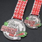 工場価格の柔らかいエナメルのカスタム鋳造のさまざまな浮彫りにされたロゴのカスタム記念品の金属メダル