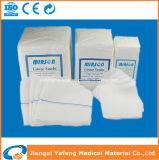 Produtos consumíveis na esponja médica descartável cirúrgica da gaze do hospital