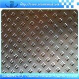 パンチ金属板のパンチ穴の網
