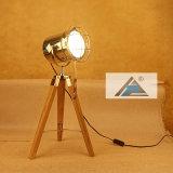 Lámpara de vector del trípode para la decoración casera (C5007370-1)