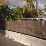 Menos cerca barata de alumínio durável da casa WPC da manutenção para o jardim