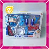 L'équipement médical de simulation joue des jouets de jeu d'enfants
