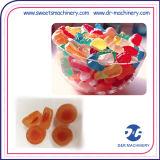 Linha de depósito fogão dos doces coloridos da geléia dos doces que dá forma à máquina