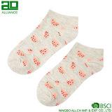 Носки лодыжки женщин симпатичного хлопка плодоовощ изготовленный на заказ
