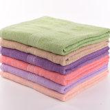 100%年の綿のテリーの浴室または表面タオルかビーチタオル