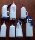 Kalb-führende Milchflasche