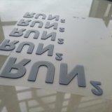 Escritura de la etiqueta de goma levantada directa del silicón de la ropa del traspaso térmico de la fábrica 3D