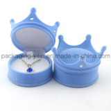 La corona popular formada se reunió la caja plástica de Earrig del anillo de la joyería del terciopelo