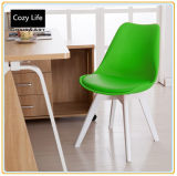 Stoelen met Green Pu Cover en Original Wooden Legs