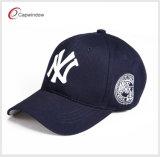 高品質の赤い綿3Dの刺繍のゴルフ野球帽(L-0010)