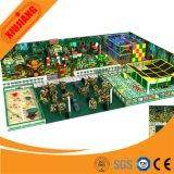 La cour de jeu orientée d'avions de jungle d'océan de sucrerie badine les jeux d'intérieur
