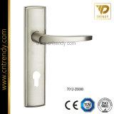 Ручка двери уровня сплава цинка на плите (7018-Z6114)