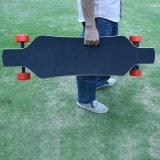 2016のリモートが付いている二重モーターEスクーターのスケートボードのバランスをとっている流行の4つの車輪の自己