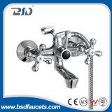 Faucet duplo montado plataforma da bacia dos punhos do misturador da bacia do banheiro do cromo