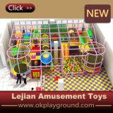 Matériau en plastique et type d'intérieur glissière (T1501-6) de cour de jeu de cour de jeu