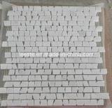 De het natuurlijke Marmeren Mozaïek van de Muur van de Steen Witte en Tegels van het Mozaïek