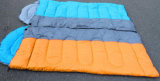 Sommer-Modell-kampierender verbundener Baumwolschlafsack