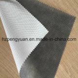 Material impermeável, material respirável, material de construção para a parede e telhado