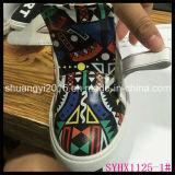 子供の靴のブートのための幾何学的な図デザインPUの革