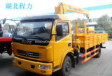 Le camion de Dongfeng 4*2 4 T a monté avec la grue de charge à vendre