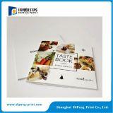 서비스를 인쇄하는 서류상 요리 책