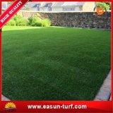 Césped artificial de la hierba del revestimiento de suelos del jardín