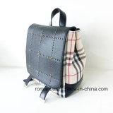PU 광저우 공급자 숙녀는 리벳을 박는다 가죽 책가방 (NMDK-040505)를