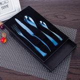 Самая лучшая нержавеющая сталь 18/0 надувательства покрасила пластичные комплекты Cutlery ручки