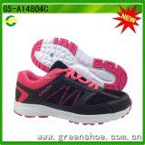 Femmes de la Chine dirigeant l'usine de chaussures de sport GS-A14804