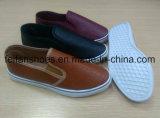 Nuevos zapatos de llegada con la parte superior de la PU, zapatos ocasionales de la inyección de los hombres del Slip-on con buen precio
