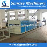 Chaîne de production en plastique d'extrusion de panneau de mur de panneau de PVC de bonne qualité