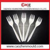中国のプラスチックスプーンまたはフォークまたはナイフの注入型